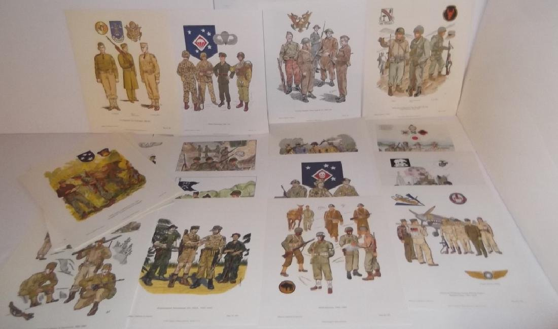 35 military uniforms in America prints