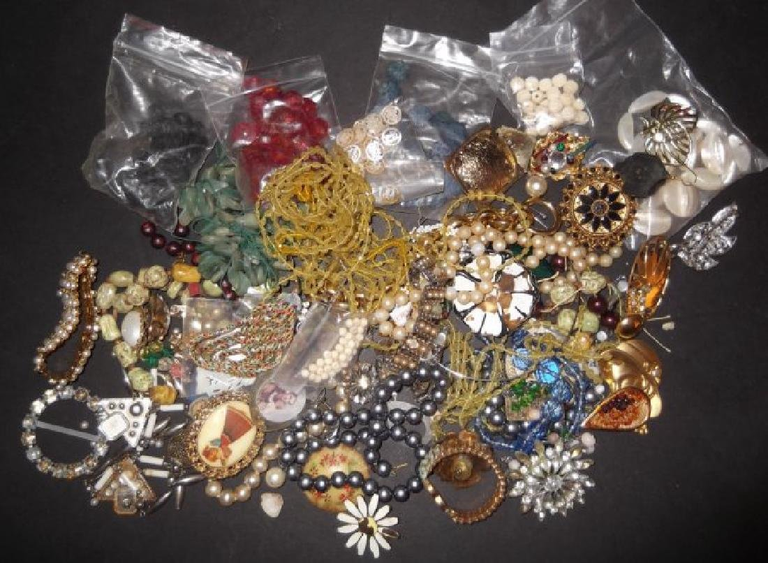 2 1/2 lbs of costume jewelry parts; findings