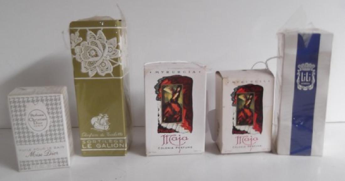 18 vintage perfume bottles - 9