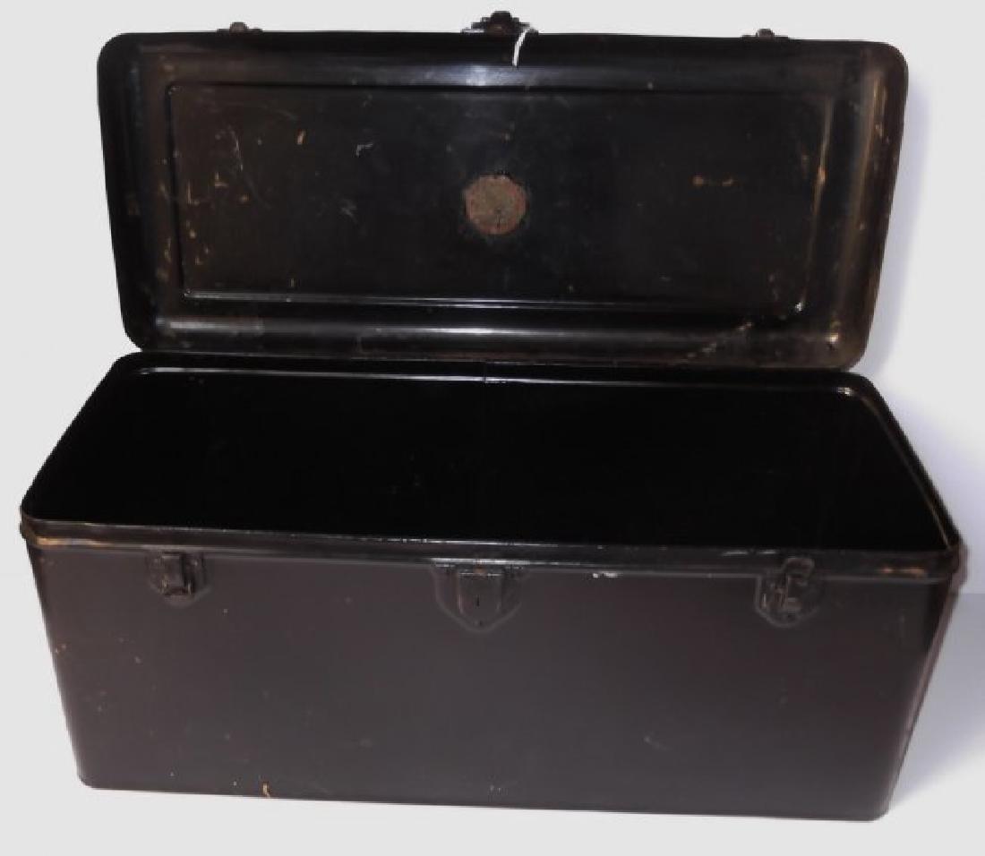 Vintage automobile steel box - 3