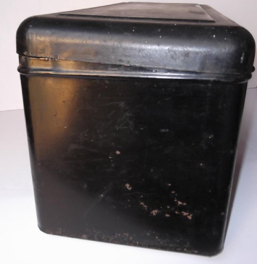 Vintage automobile steel box - 6