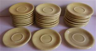 25 yellow Russel Wright plates