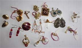 Vintage costume jewelry earrings lot