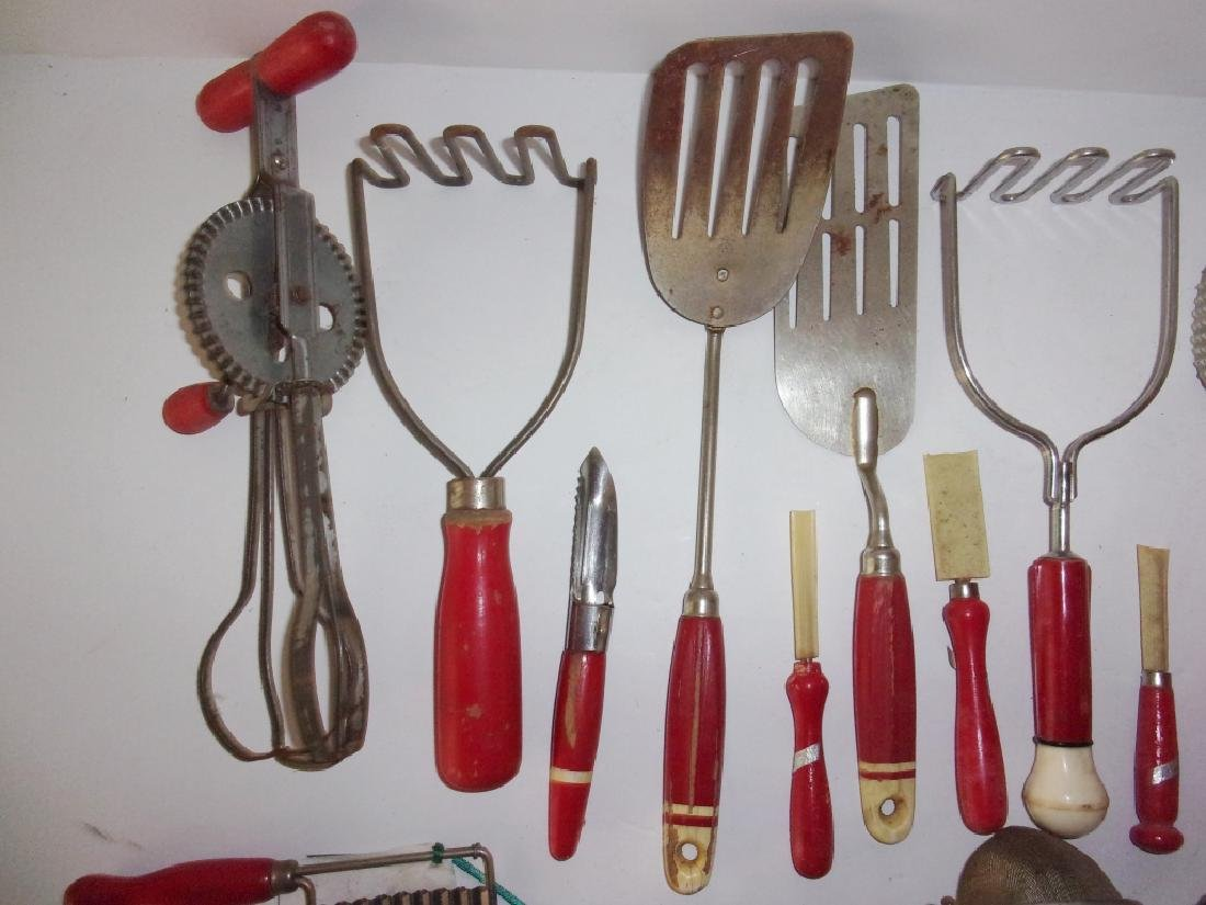 23 piece circa 1925 kitchenalia lot - 3