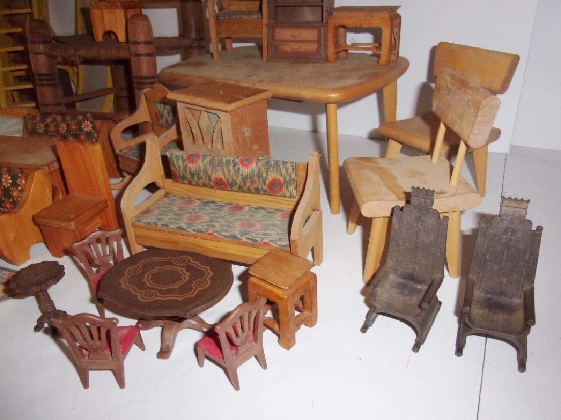 collection of assorted vintage dollhouse furniture - 2