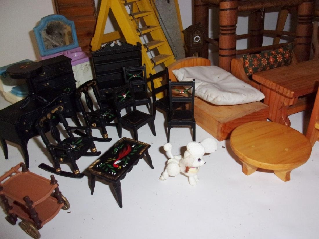 collection of assorted vintage dollhouse furniture - 4