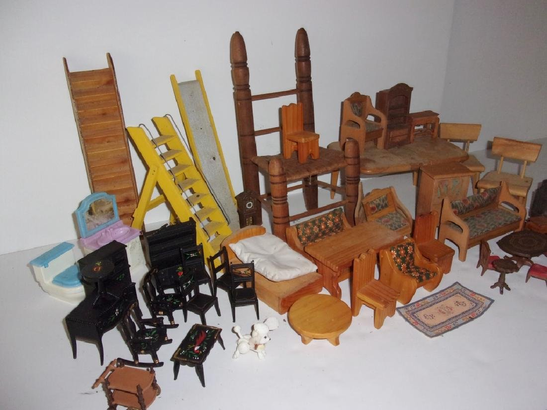 collection of assorted vintage dollhouse furniture - 8