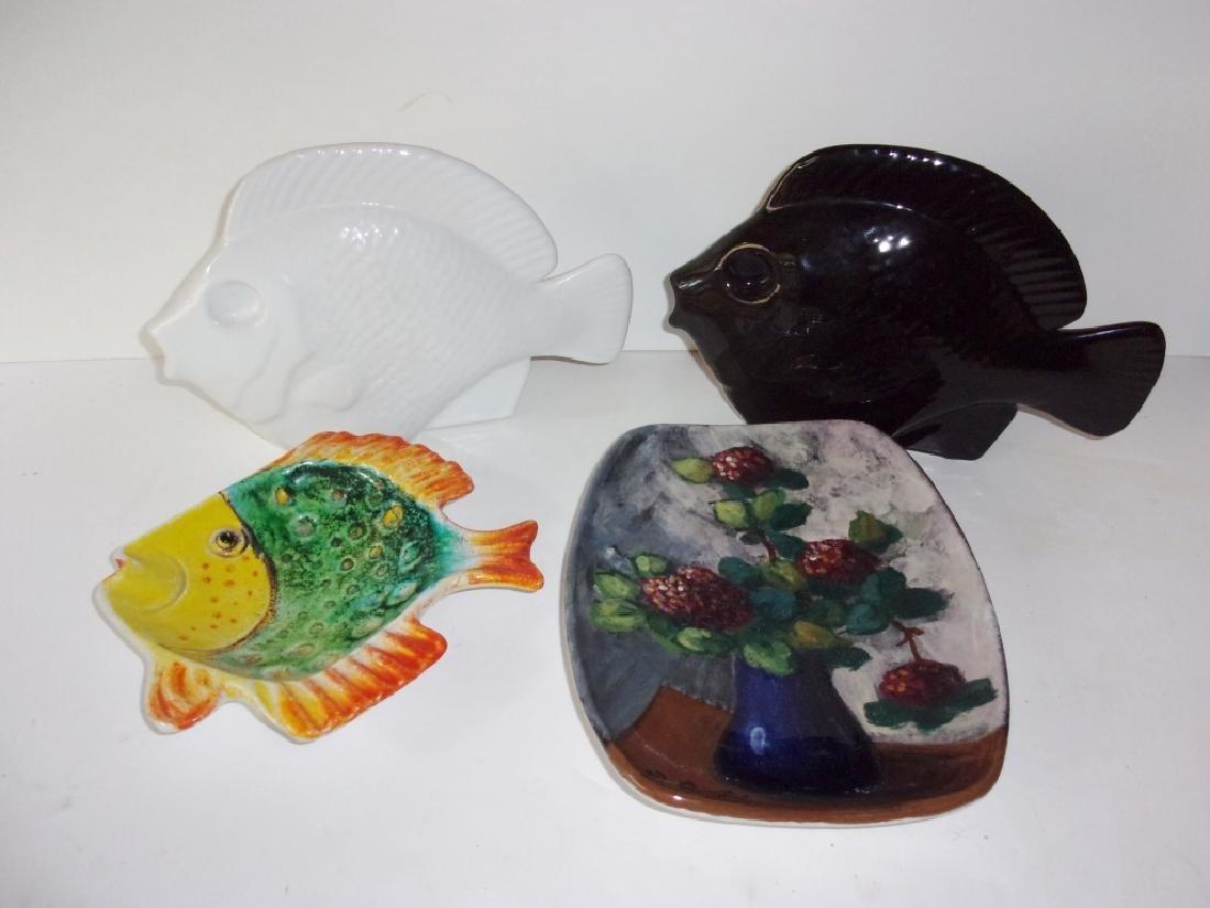 4 contemporary decorative platters