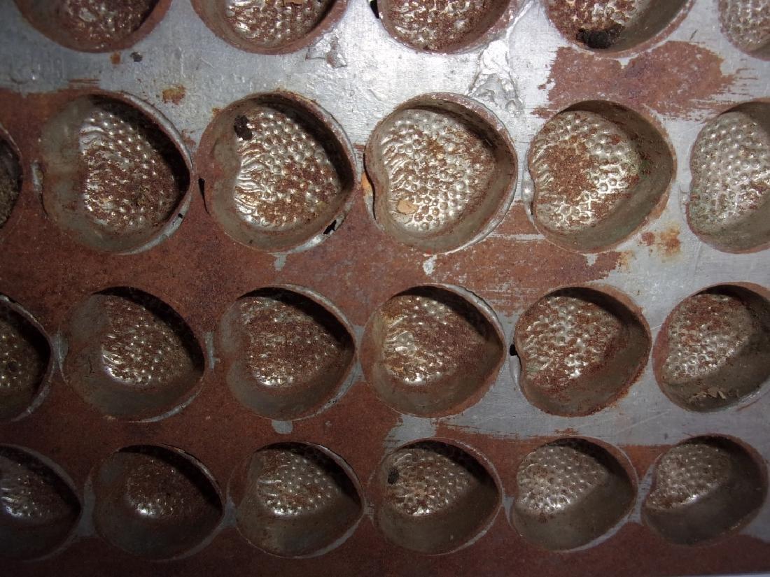 4 vintage chocolate molds - 5