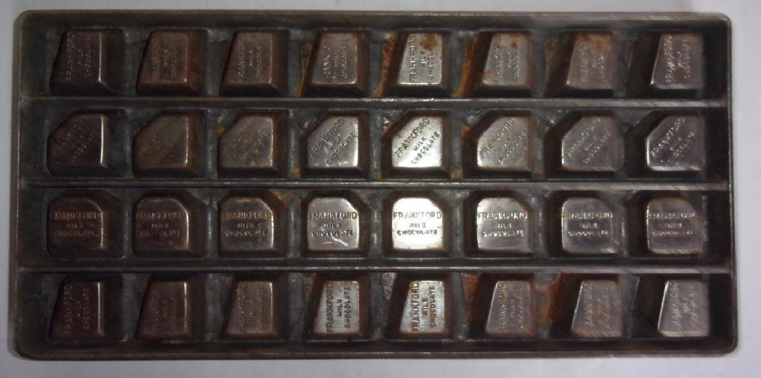 4 vintage chocolate molds - 8
