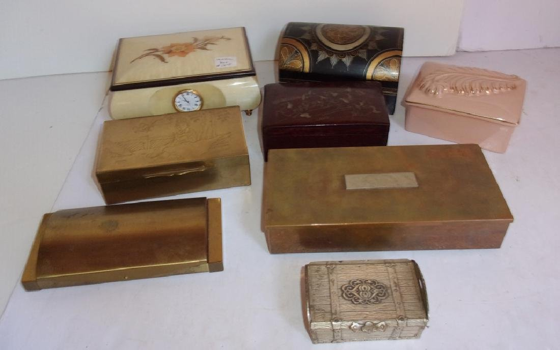 8 vintage boxes/jewelry boxes