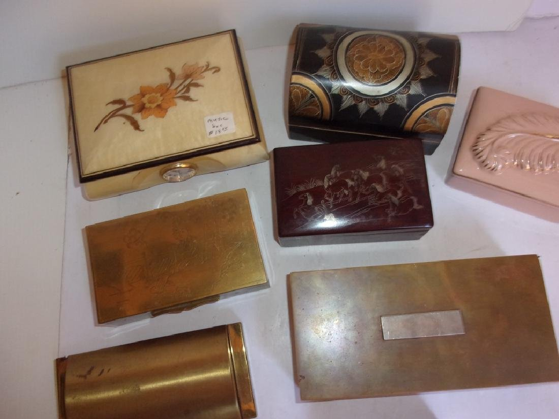 8 vintage boxes/jewelry boxes - 2