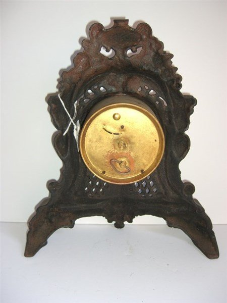 Ornate Cast iron mantel clock - 4