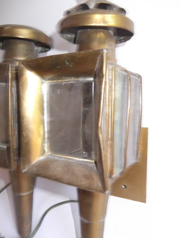 Pair of brass electrified carriage lamps - 4