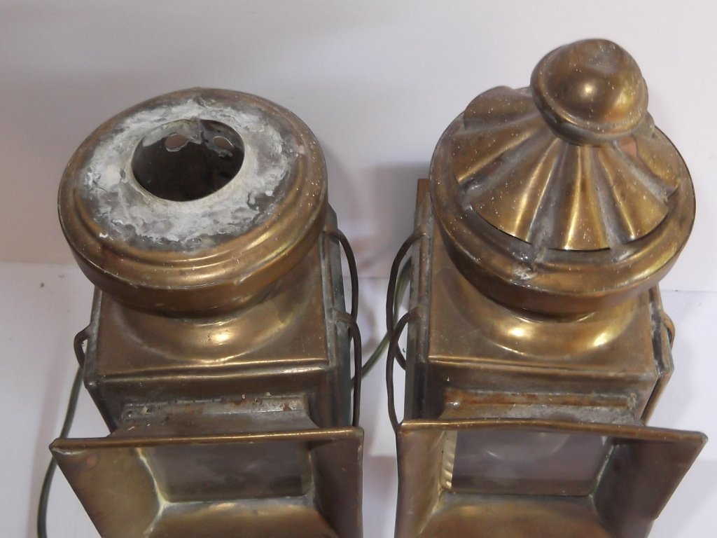 Pair of brass electrified carriage lamps - 5