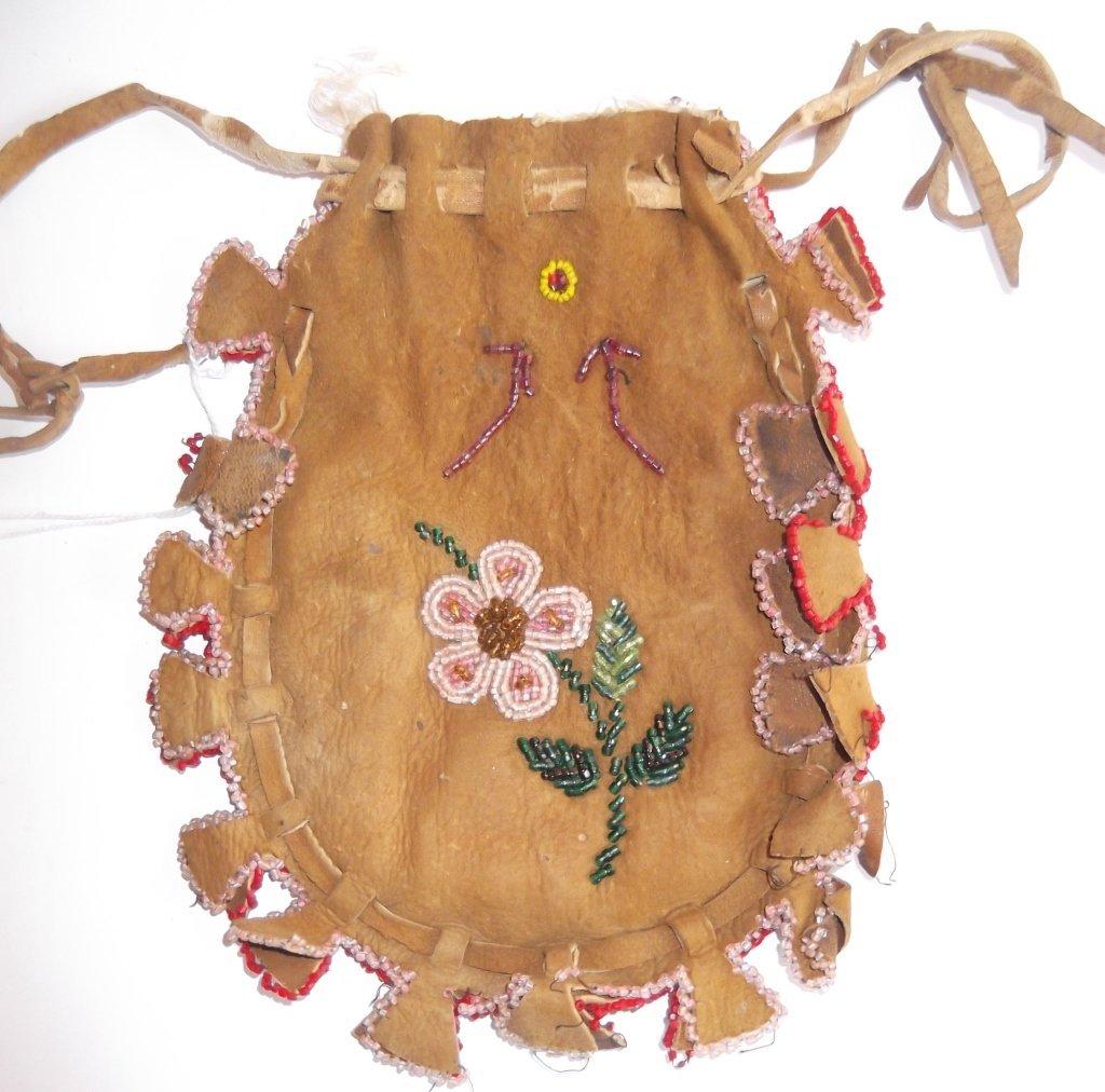 Vintage Apache beaded hide pouch - 2