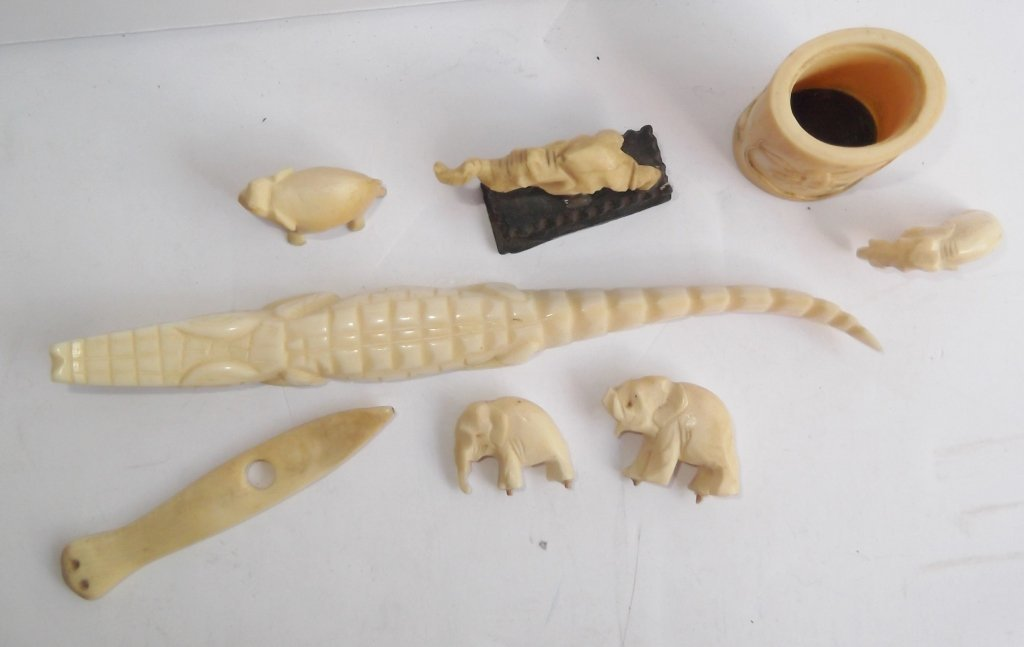 8 assorted carved bone pieces - 2
