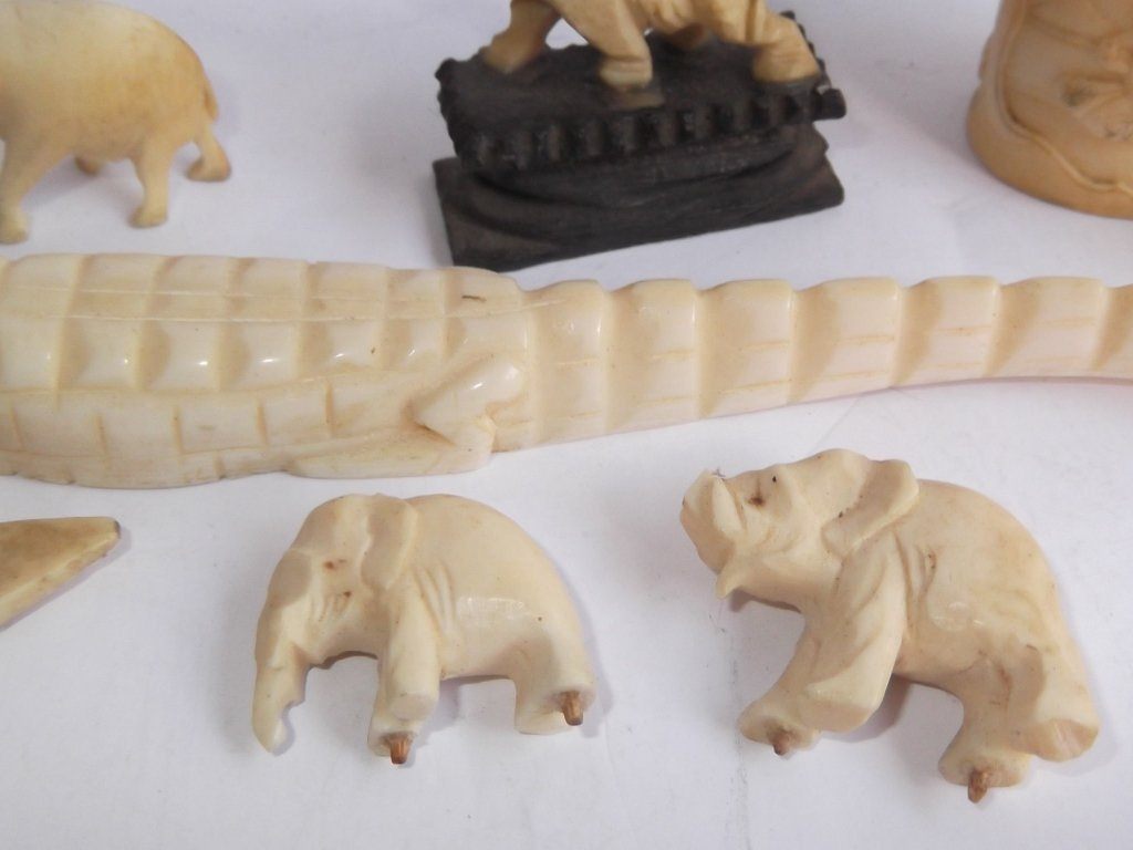8 assorted carved bone pieces - 7