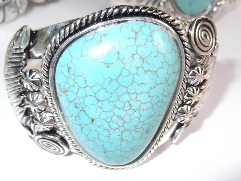 6 turquoise cuff bracelets - 4