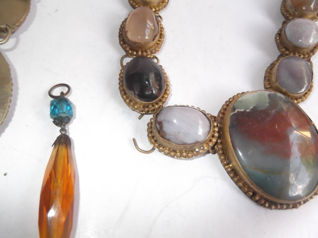 6 1960's Persian necklaces - 9