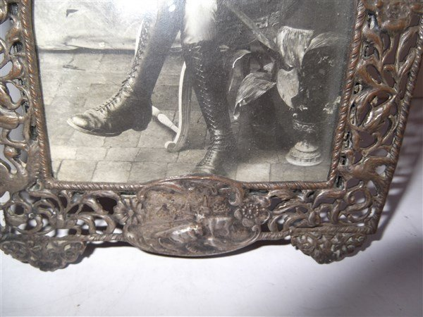 2 19th/20th c. picture frames - 4