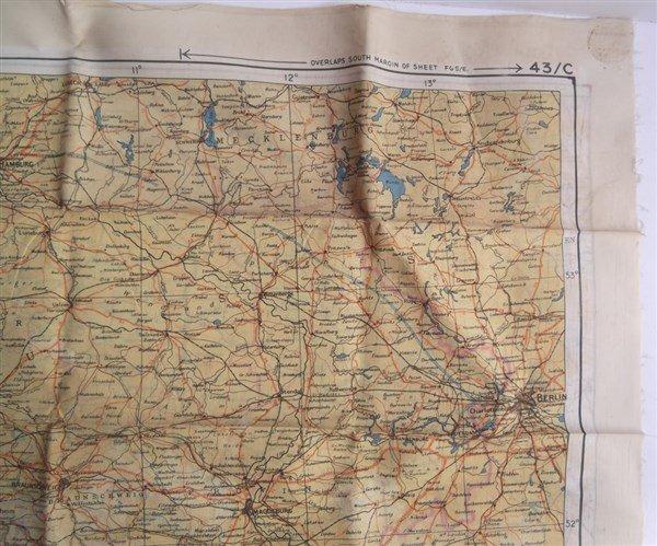 2 maps on silk - 10