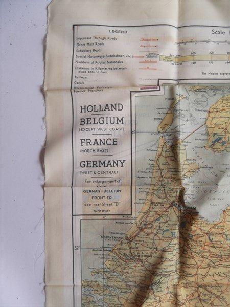 2 maps on silk - 6