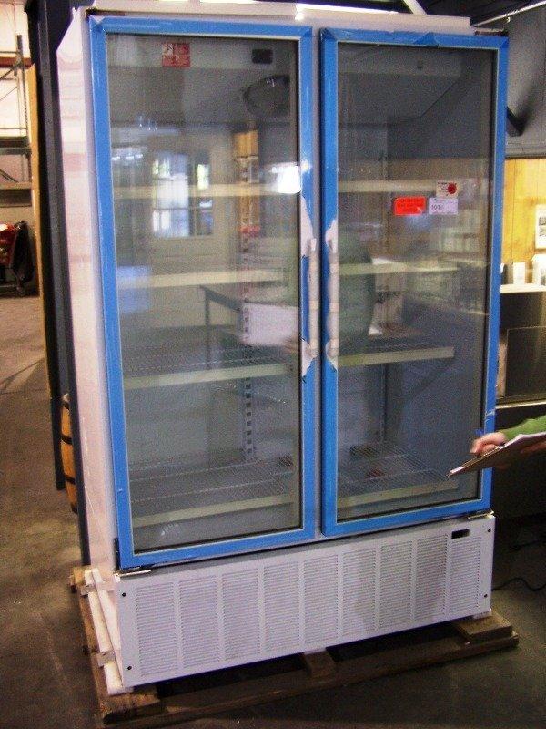 New Commercial Merchandising Display Cooler
