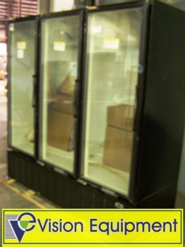 1009: New 3Dr Freezer/Glass Display Case/Commercial