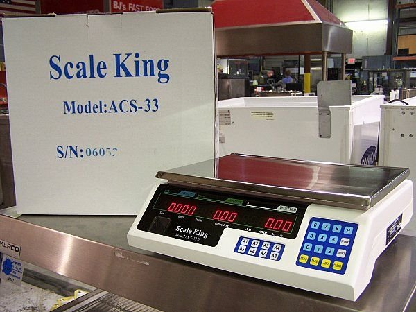 684B: BRAND NEW DIGITAL SCALE ELECTICITY OR BATTERY POW
