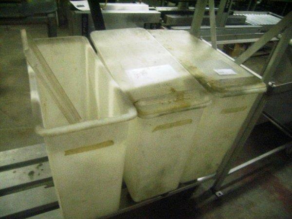 900103: Used Plastic Ingredient/Storage Bins