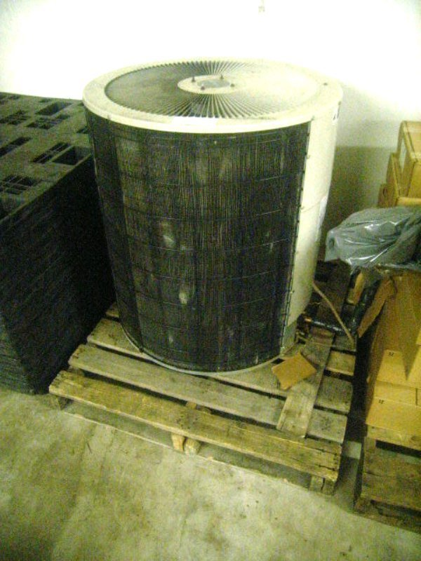 900110: Used Air Conditioning Fan