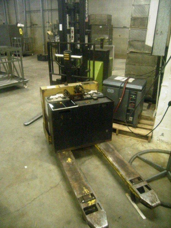 900114: Used Electric Pallet Jack