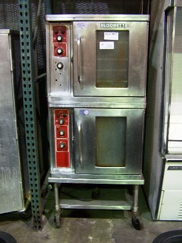 788: Blodgett double stack 1/2 size convection oven