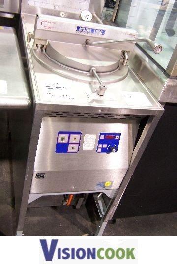 34: Broaster 1800 Electric Deep Pressure Fryer