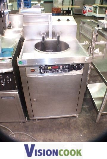 302: Chester Fried/Giles CF400 Chicken Fish Deep Fryer
