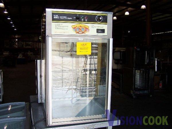 515: Wisco Countertop Pretzel Display Warmer Cabinet