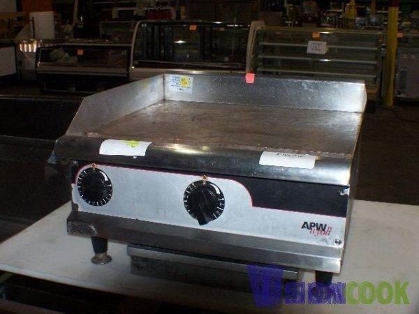 """516: APW Wyott 24"""" inch Flat Grill Griddle Electric"""