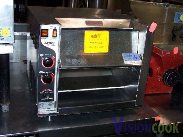1324: APW Wyott Commercial Conveyor Bagel Toast Toaster