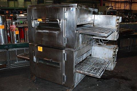 1494: Lincoln 1000 Gas Conveyor Pizza Oven