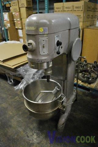 66: Hobart H-600 60 Qt. Dough Bakery Mixer