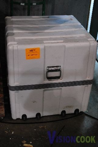 603: Insulated Mobile Storage Container Box
