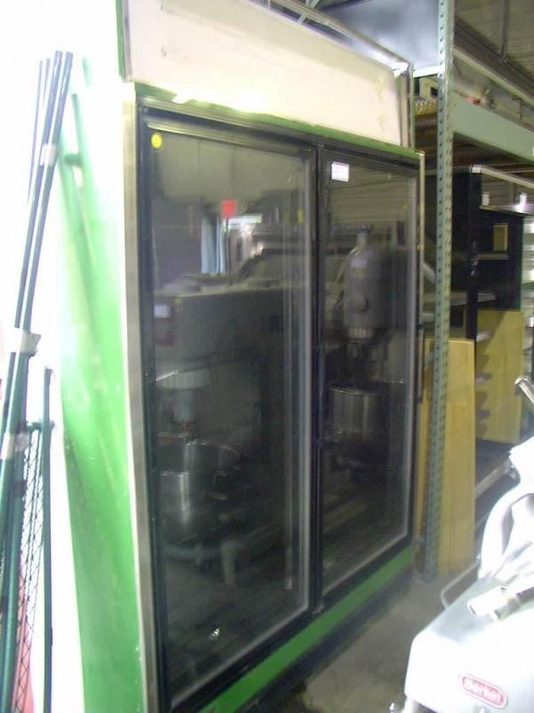 7C: KYSOR/WARREN 2 DOOR FLORAL CASE!