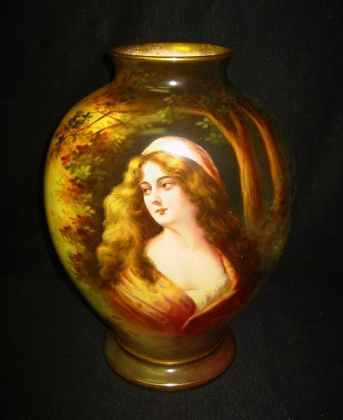 19: Royal Bonn portrait vase with scenic reverse Signed