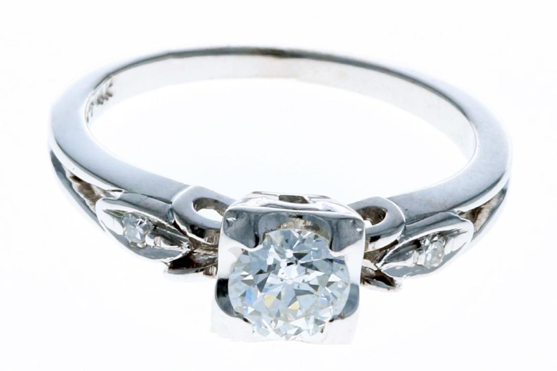 14KT White Gold 0.55ctw Diamond Engagement Ring Size