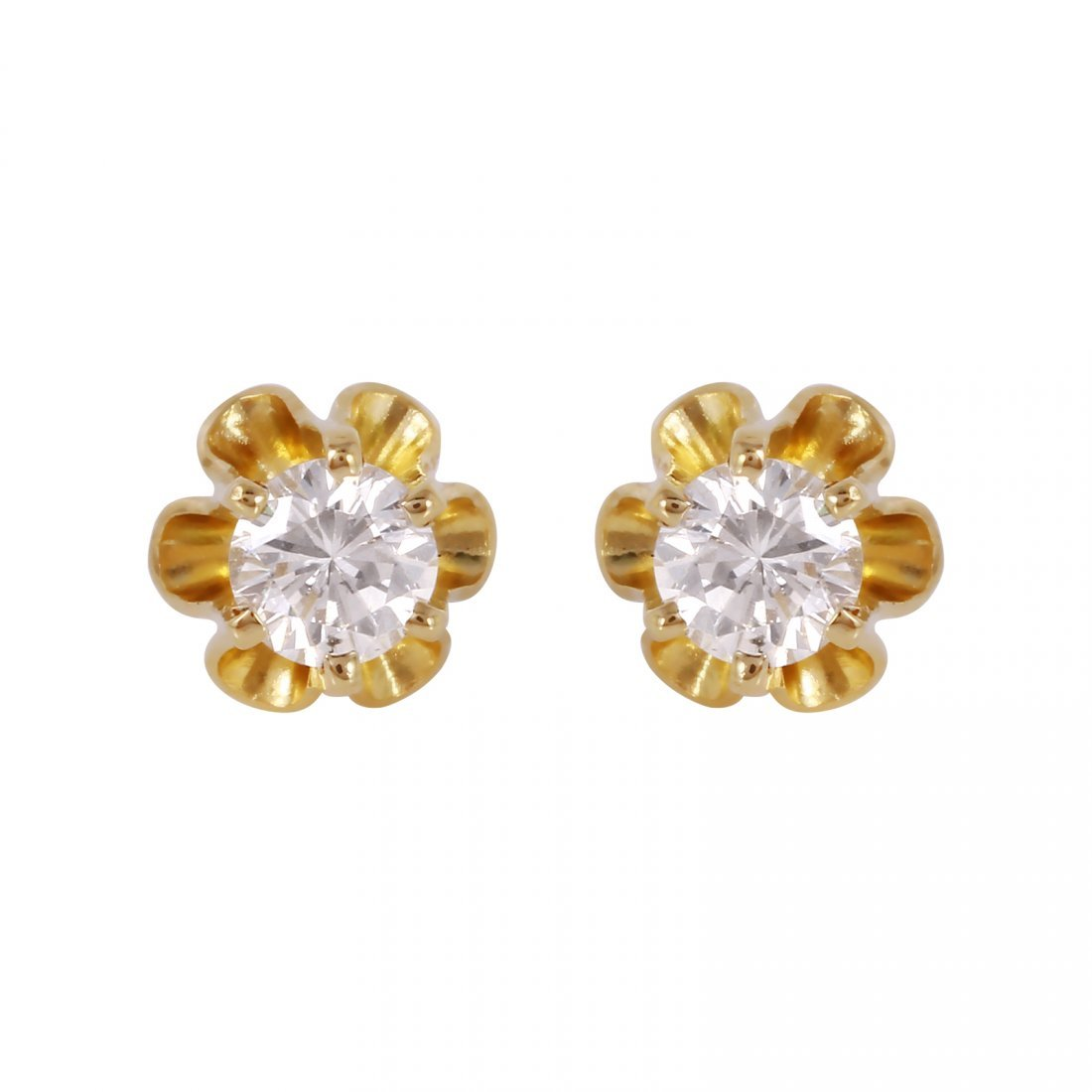 These flower stud earrings feature two round brilliant