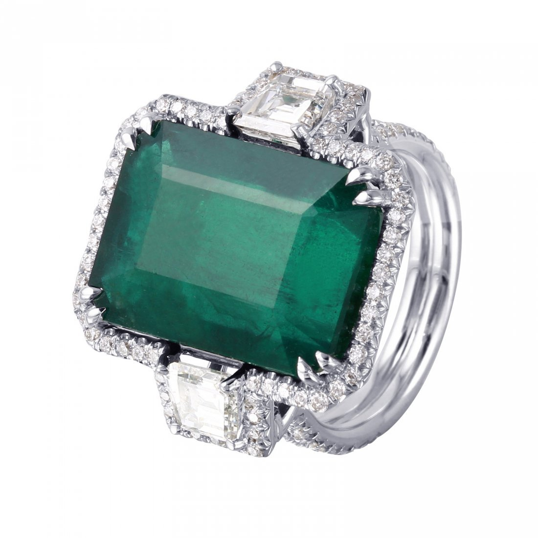 18KT White Gold Emerald & Diamond Ring