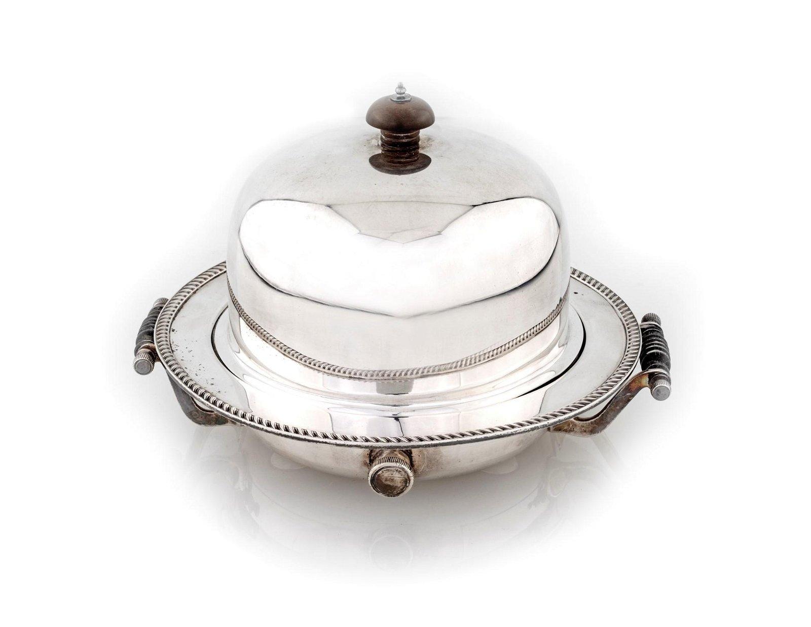 Silver metal chafing dish