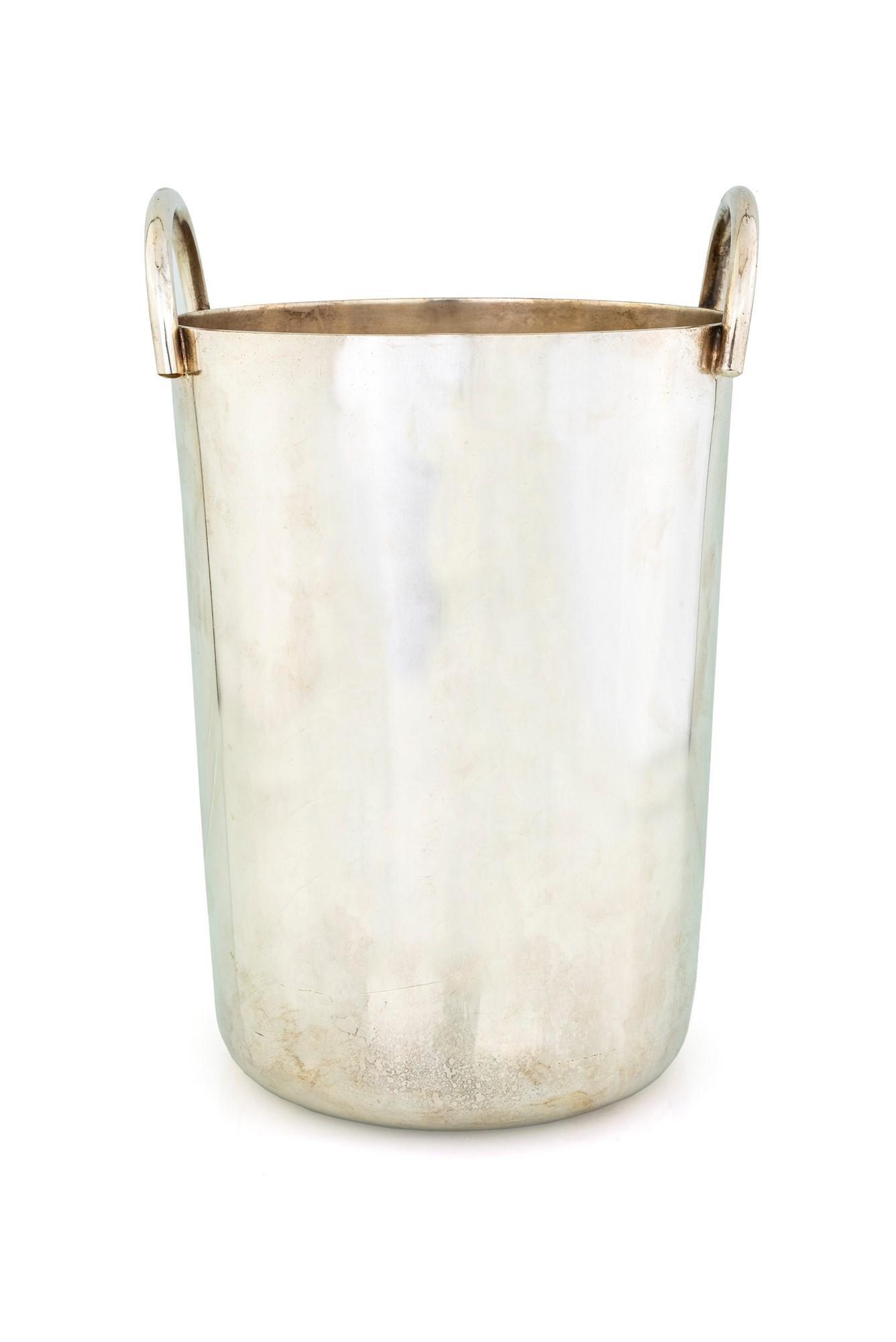 Silver metal bottle holder