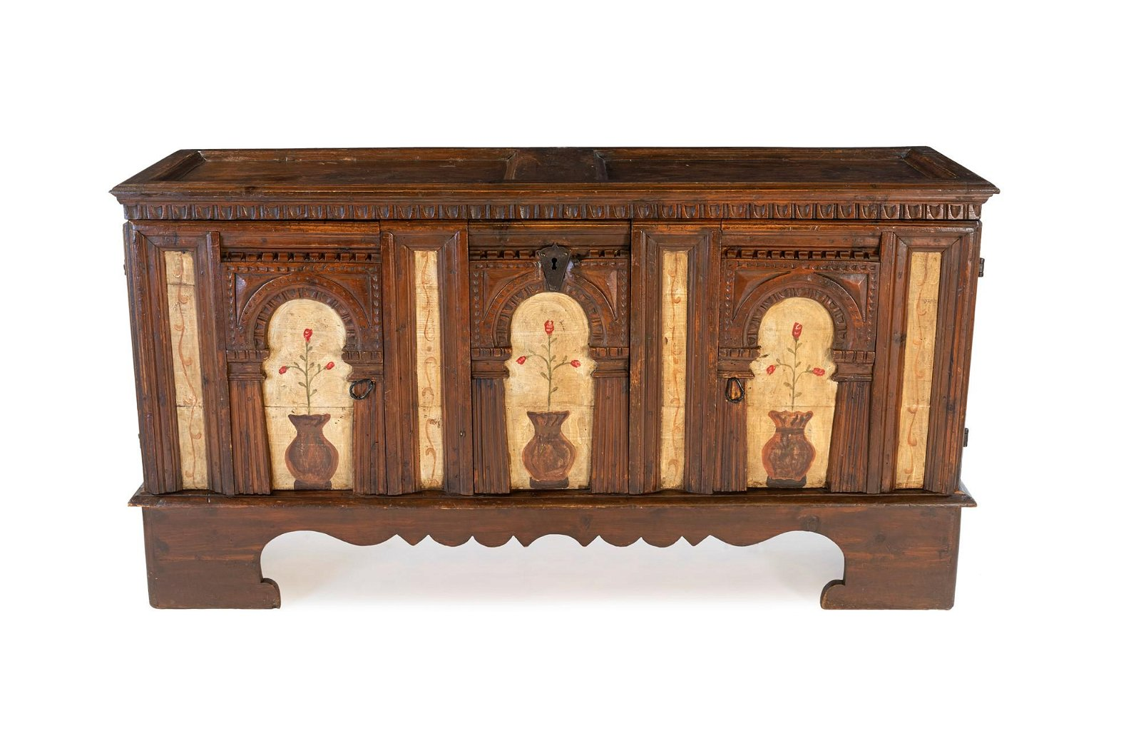 Chest with carved and painted facade from 18th century